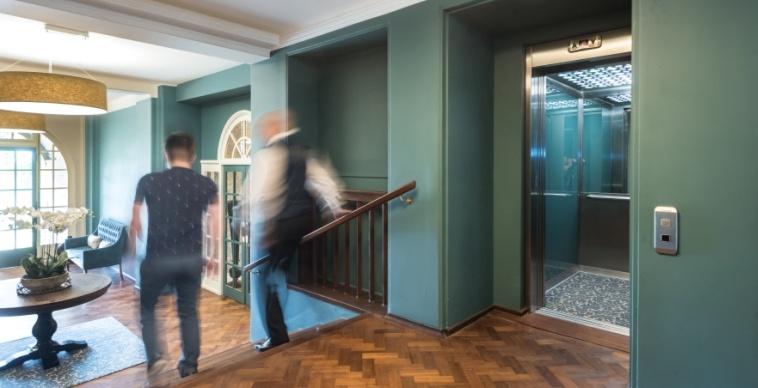 Bespoke lift for private housing