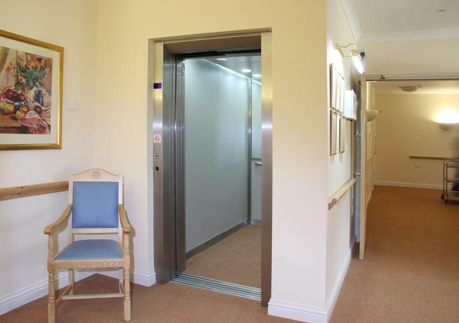 Nursing home Pass Lift 009sm.jpg